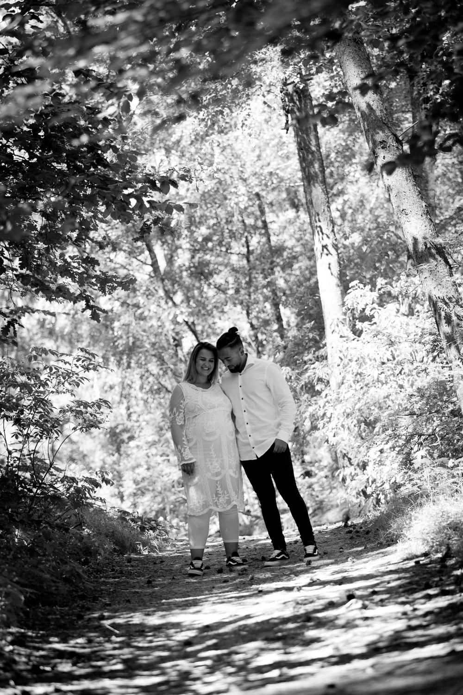 """Lifestyle Fotoshoot """"Zwanger op de foto"""". Een zwangerschapsreportage in de Soesterduinen te Soest."""