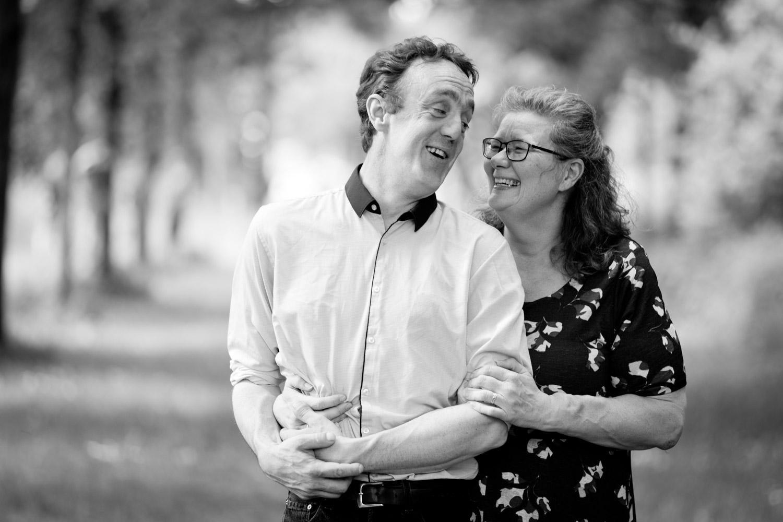 Lifestyle Loveshoot Vier de liefde samen op Stadslandgoed de Kemphaan te Almere