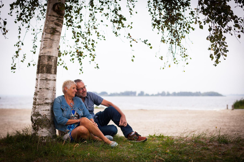 Lifestyle Loveshoot Vier de liefde samen op het strand van Zeewolde