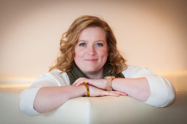 """Lifestyle Fotoshoot """"Mooie portretten"""". Marieke wilde mooie foto's van haarzelf. Gemaakt in het Van der Valk Hotel te Almere."""