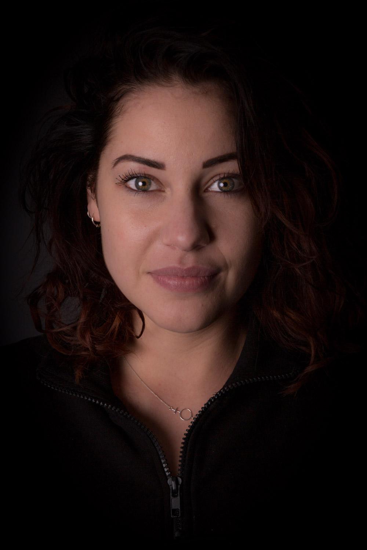 """Studio Fotoshoot """"Mooie Portretten"""". Een portret van zangeres Mariëlle Flens."""