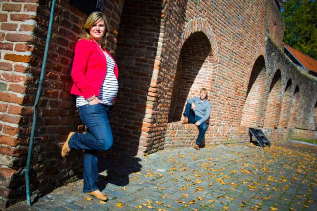 Zwangerschapsshoot op de vismarkt van Harderwijk