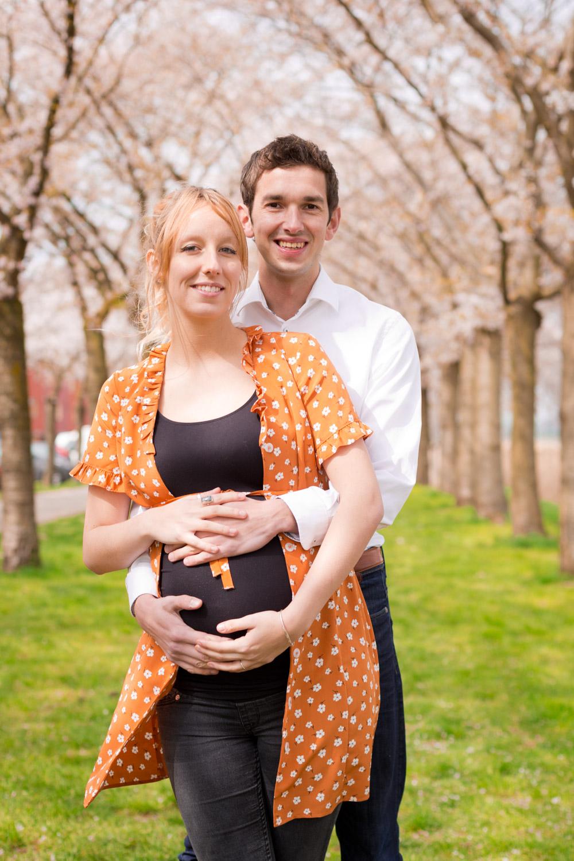 Zwangerschapsshoot onder de bloesem